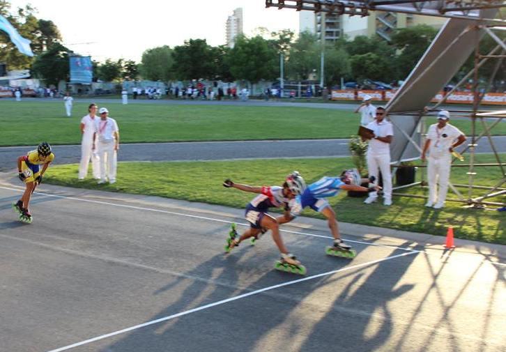 Maira Arias en la llegada de los 20 mil metros por eliminación donde obtuvo la medalla de plata.