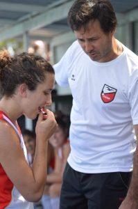 Rodrigo Estévez dandole indicaciones a la capitana. (Foto: Roxana Galbiatti)