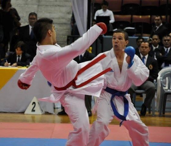 Francisco Nievas en combate.