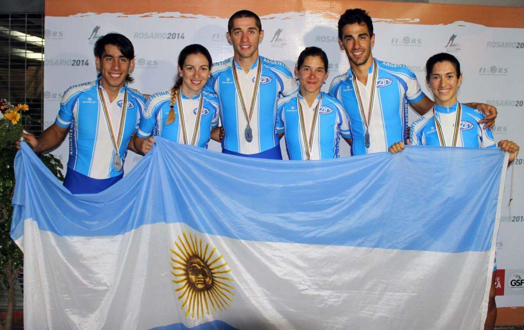 Los argentinos que lograron la medalla de plata en los relevos.