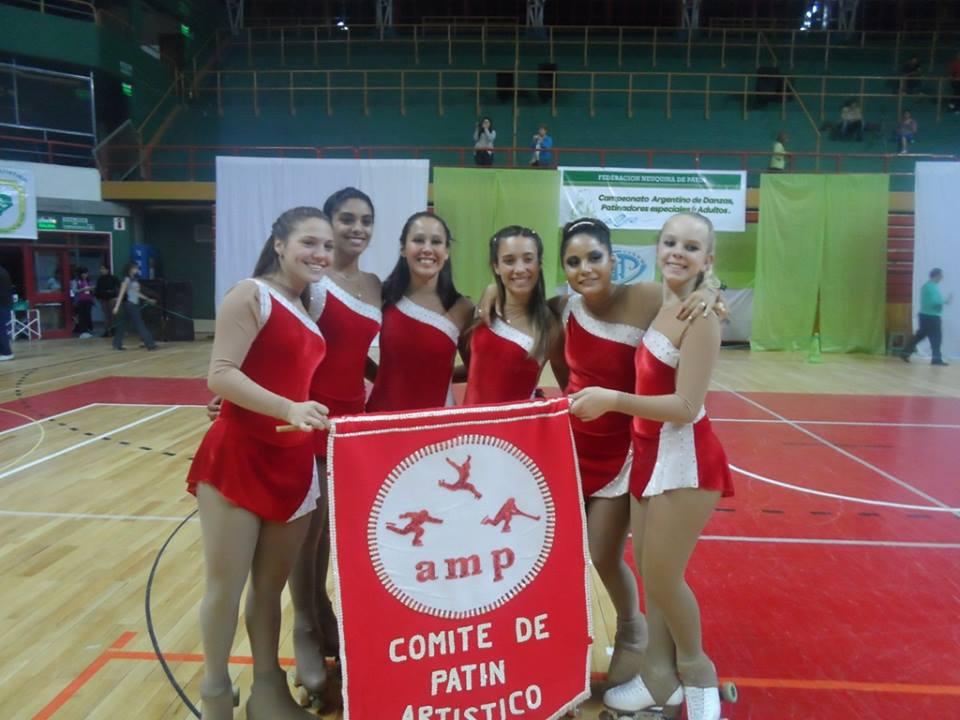 La delegación marplatense que participó en el Argentino de Danza.