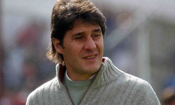 Quiroz no ha perdido aún como técnico de Aldosivi.