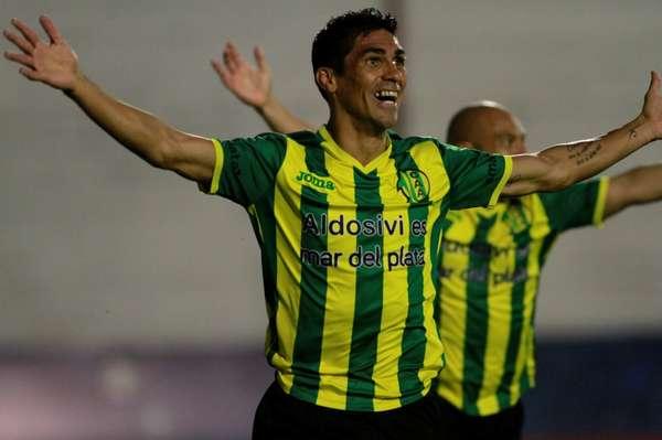 Ángel Vildozo metió el gol del ascenso para Aldosivi. (Foto: Olé)