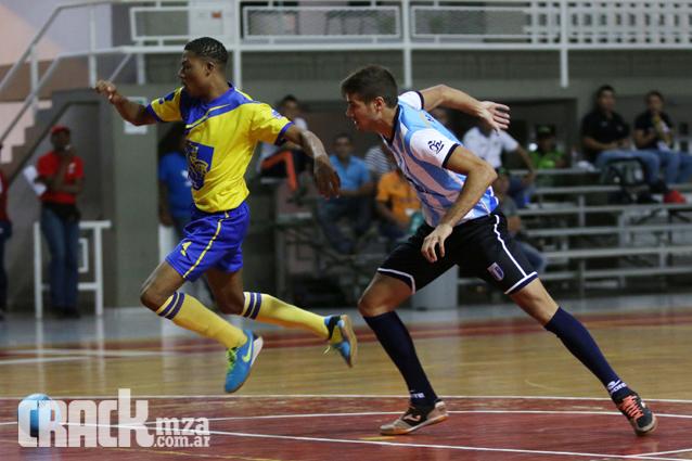 Mariano Cardone anotó un gol con la casaca nacional en el Sudamericano. (Foto: CrackMza)