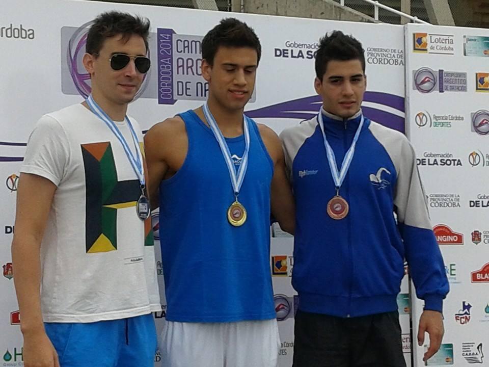 Guido Buscaglia luciendo la medalla de oro en su pecho. (Foto: Germán Calvelo)