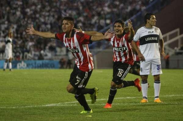 Auzqui festeja el empate ante Gimnasia en Mar del Plata_ (Foto: Ole)