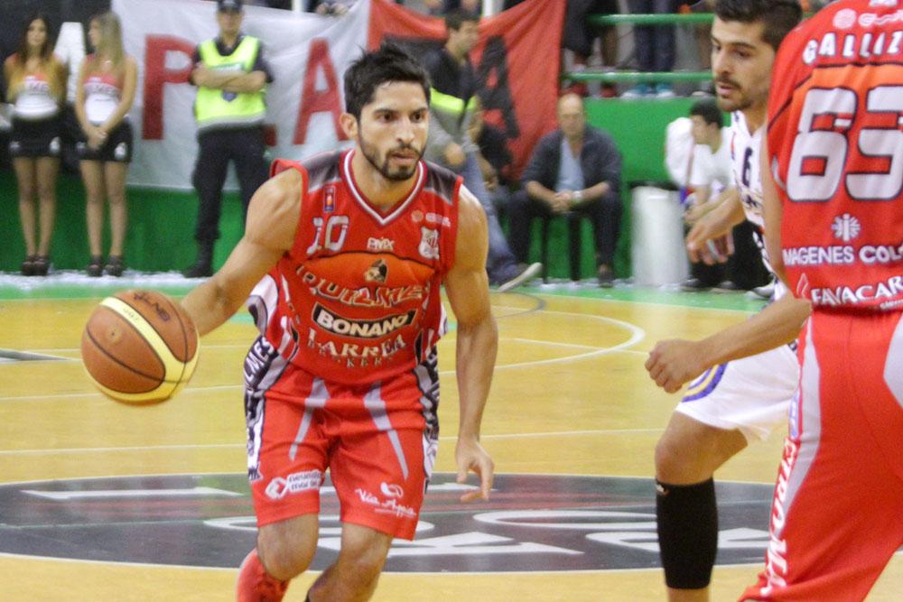 Junior Cequeira fue la gran figura del equipo ante Argentino. (Foto: Carlos De Vita)