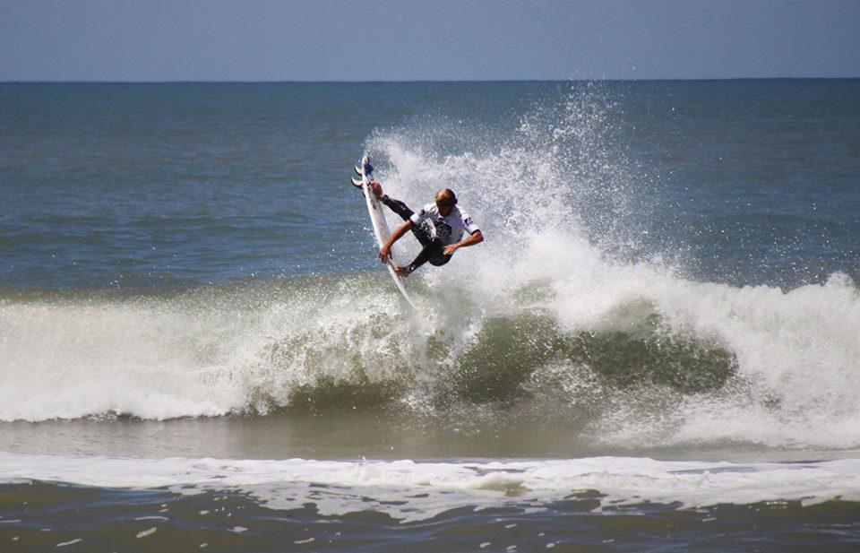 Santiago Muñiz será uno de los integrantes del equipo argentino en los ISA World Surfing Games.