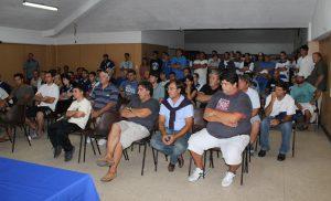 Los presentes en la asamblea que se realizó en el Club Alvarado.