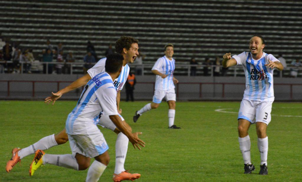 Unión celebra el gol de Wilson Albarracín (Foto: Pedro Celano)