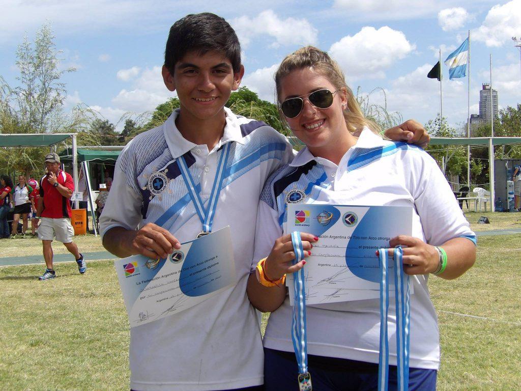 Damián Jajaravilla y Melanie Cerezo con sus medallas en el Campeoanto Argentino.