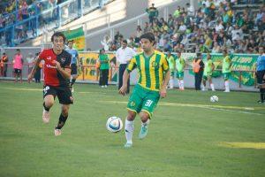 Otro de los refuerzos que debutó, Diego Lagos. (Foto: Sergio Biale)