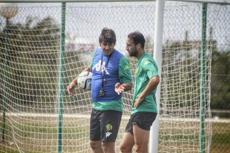 Quiroz implementará un solo cambio para el partido del domingo. (Foto: Sergio Biale)