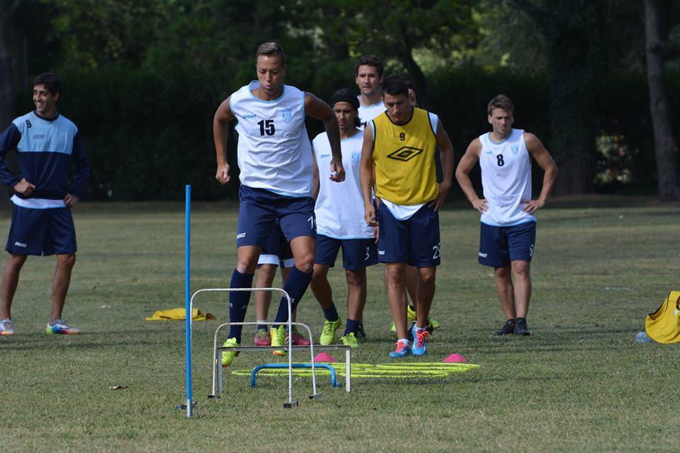 Unión continuará entrenando de cara a su debut. (Foto: Pato Celano)