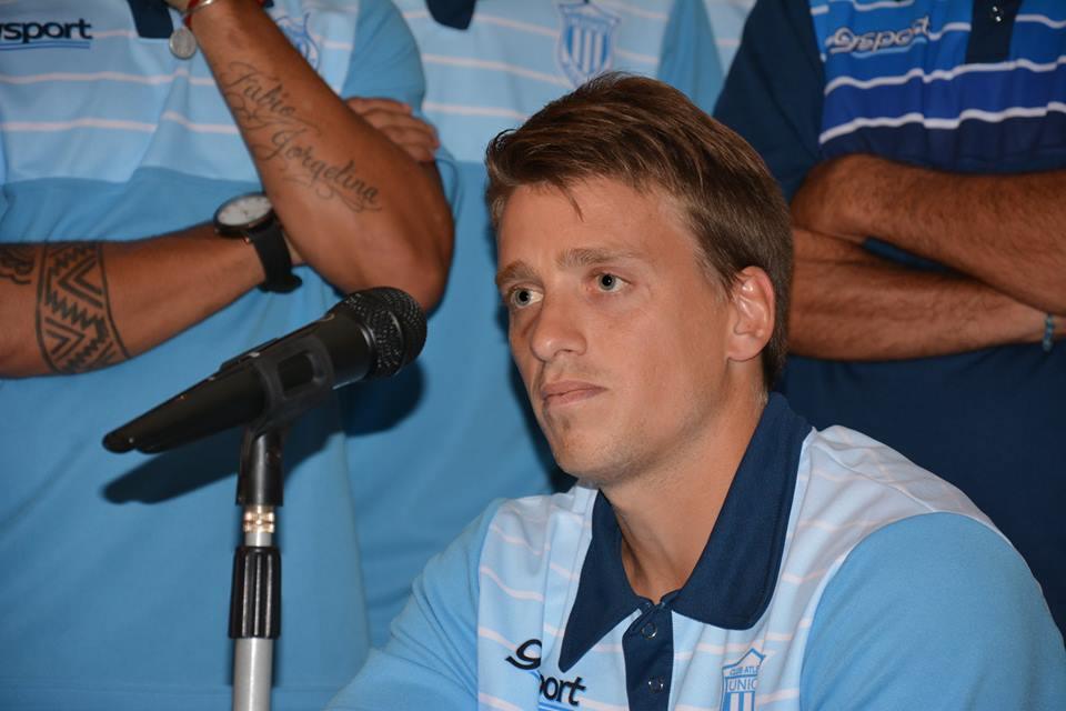 Juan Alesandroni se hizo responsable de la situación del club.  (Foto: Pedro Celano)