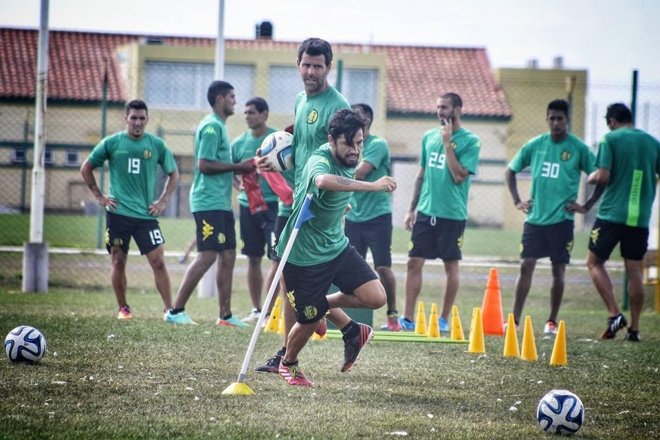 Juan Carlos Menseguez en el entrenamiento. (Foto: Sergio Biale)