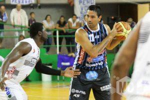Leo Gutiérez se mostró recuperado y anotó 17 puntos. (Foto: Carlos De Vita)