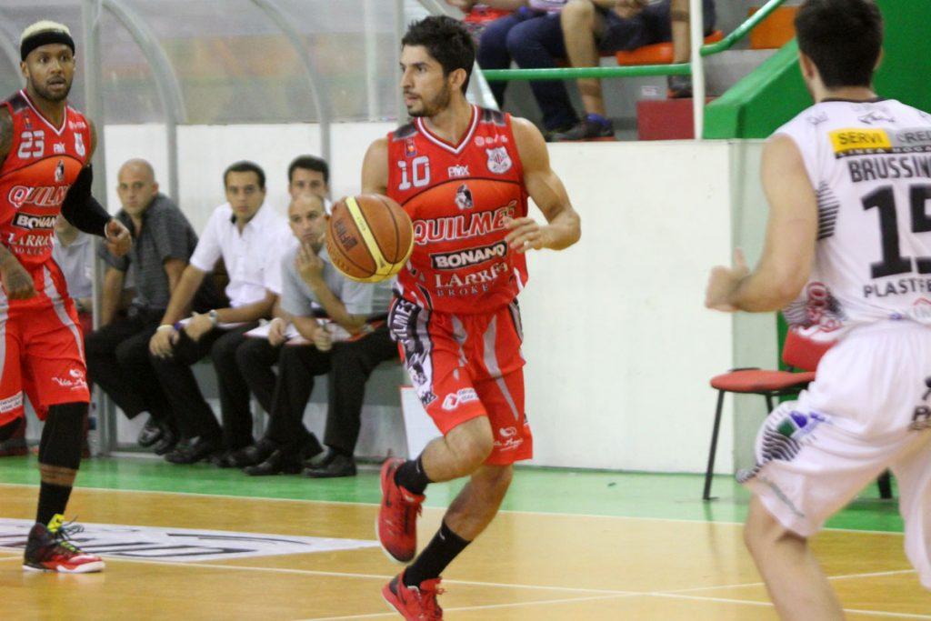 Luis Cequeira fue determinante en el local con 22 puntos. (Foto: Carlos De Vita)