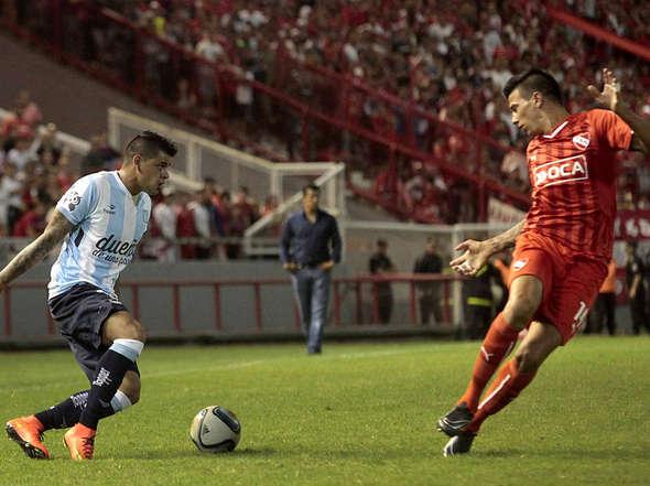 Gustavo Bou fue el autor del segundo gol de Racing. (Foto: Olé)