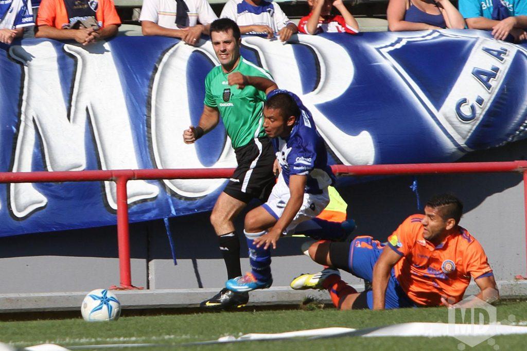 Alvarado ya planea su juego del domingo. (Foto: Archivo Carlos De Vita)