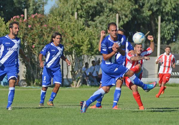 Alvarado tuvo muchas oportunidades de gol. (Foto: Diario La Mañana de Neuquén)