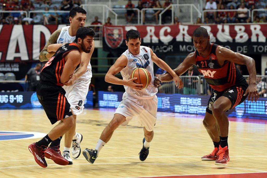 CON TODO. Luciano Massarelli jugó un gran partido ante Flamengo. (Foto: FIBA Americas)