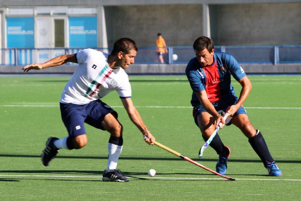 EN JUEGO: Imagen del debut de MDQ 06 Hockey Club, donde perdió con Velez. (Foto: Carlos De Vita)