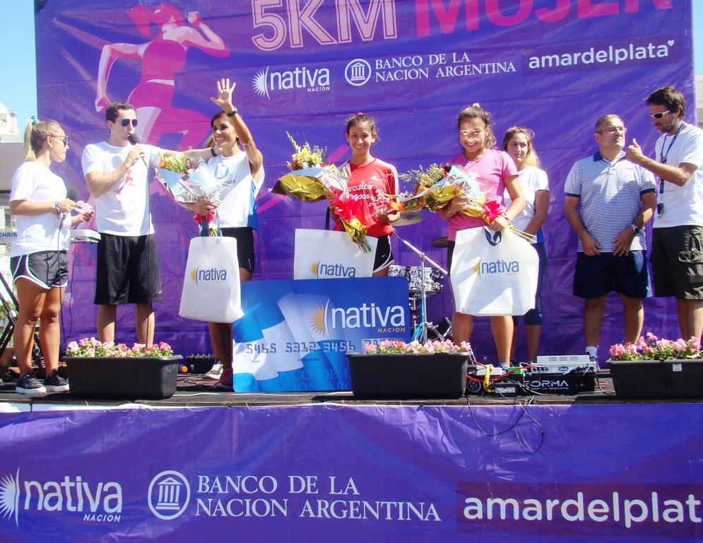El podio de los 5k de la Mujer.