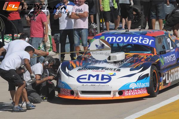 El equipo de Christian Ledesma ensayando el cambio de neumáticos. (Foto: Sitio Oficial Christian Ledesma)