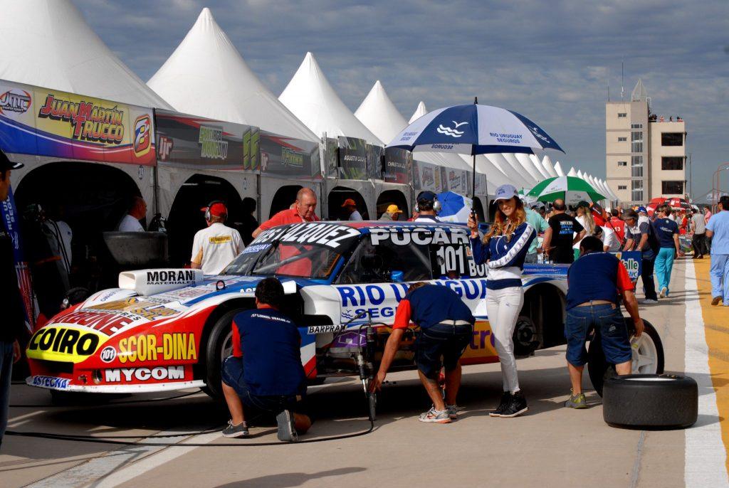 El auto de Lionel Ugalde en boxes. (Foto: Prensa ACTC)