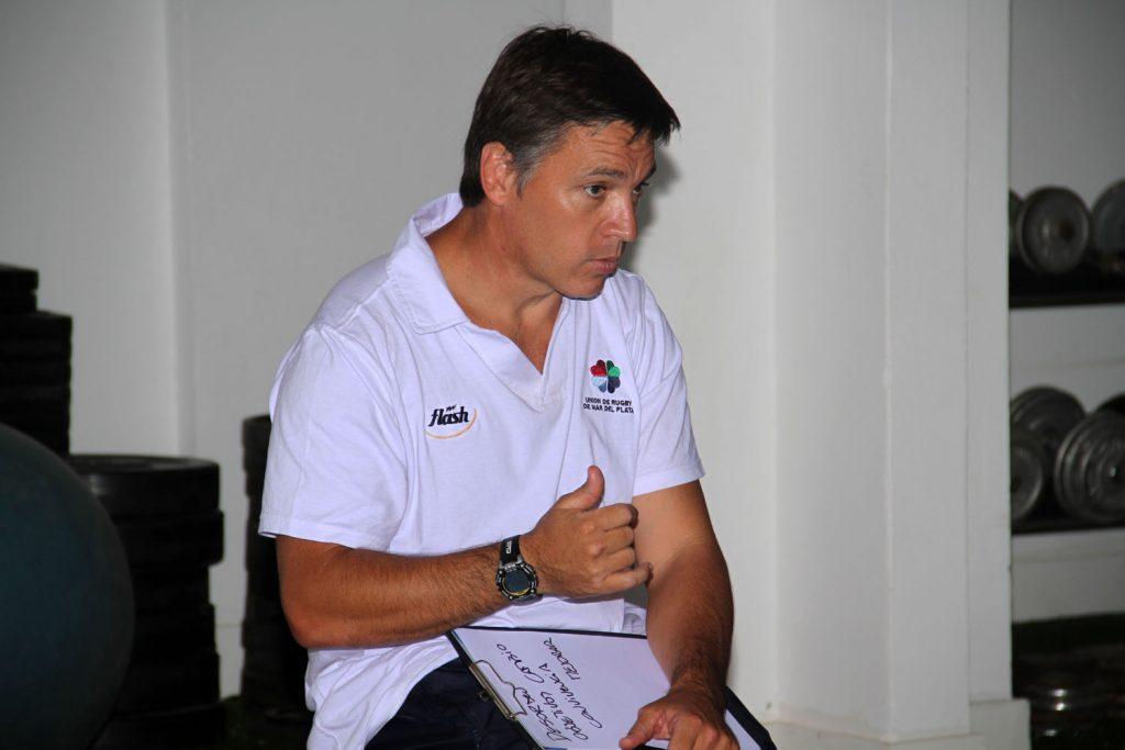 Eduardo Etcheto hablando en el marco del CIAR. (Foto: Prensa URMDP)