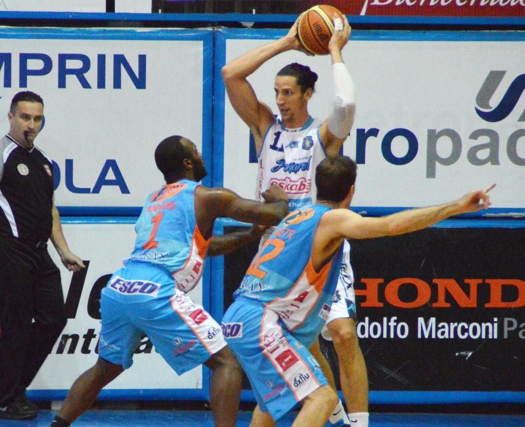Martín Leiva fue una pieza clave para el triunfo de Peñarol. (Foto: Cecilia Zacarías - LNB.com.ar)