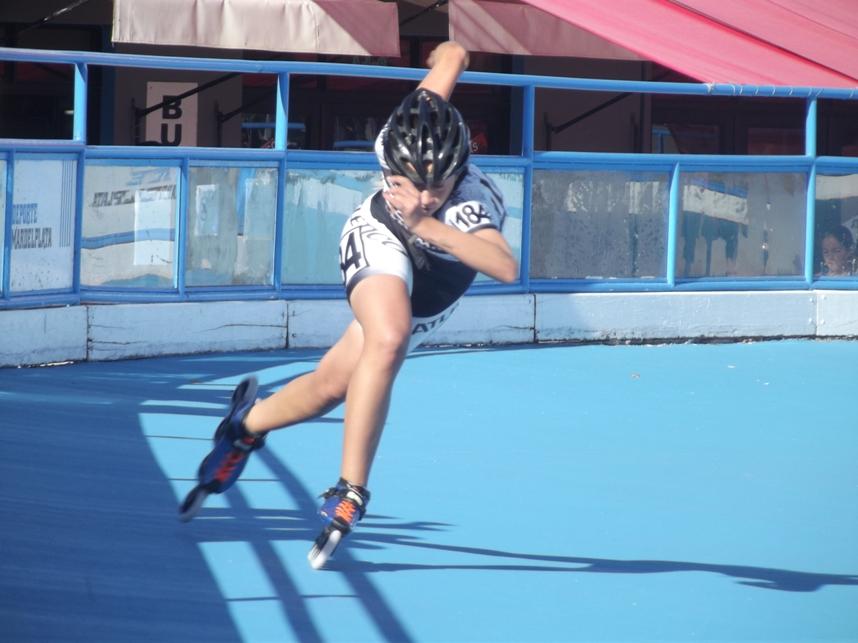 Maria Sol Herrero en plena competencia de 300 contra reloj. Fue segunda en Juveniles.