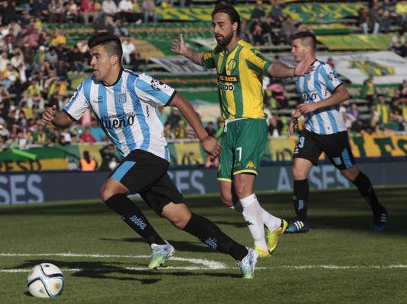 Marcos Acuña fue determinante en los dos goles de Racing. (Foto: Olé)