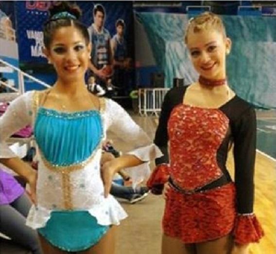 Luciana González y Lucía Martínez, dos de las tres clasificadas.