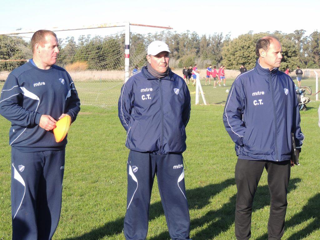 Duilio Botella asumió como entrenador y empezó a trabajar con el plantel. (Foto: Prensa Alvarado)