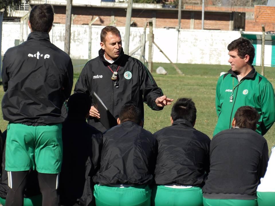 Mariano Mignini definió el equipo titular para el domingo.