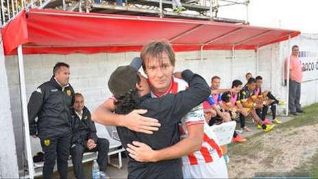 Cristian Gómez, el jugador que falleció en el campo de juego.