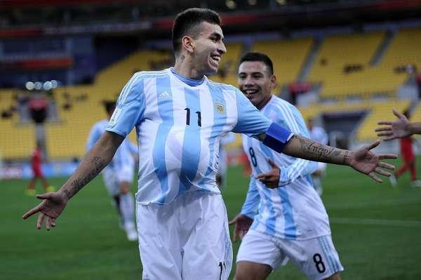 Ángel Correa celebra uno de sus goles.