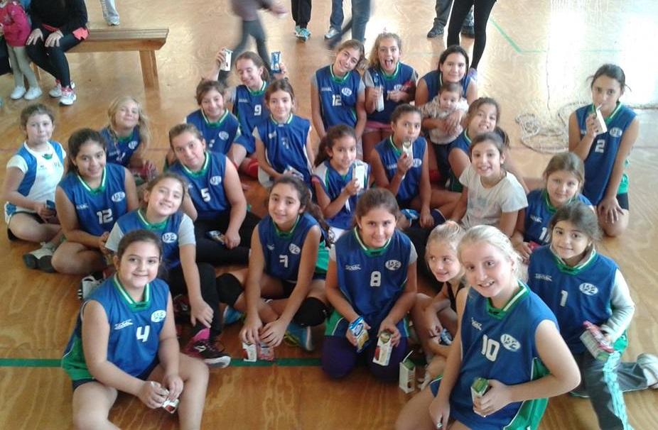 Las niñas contentas por participar en el Encuentro.
