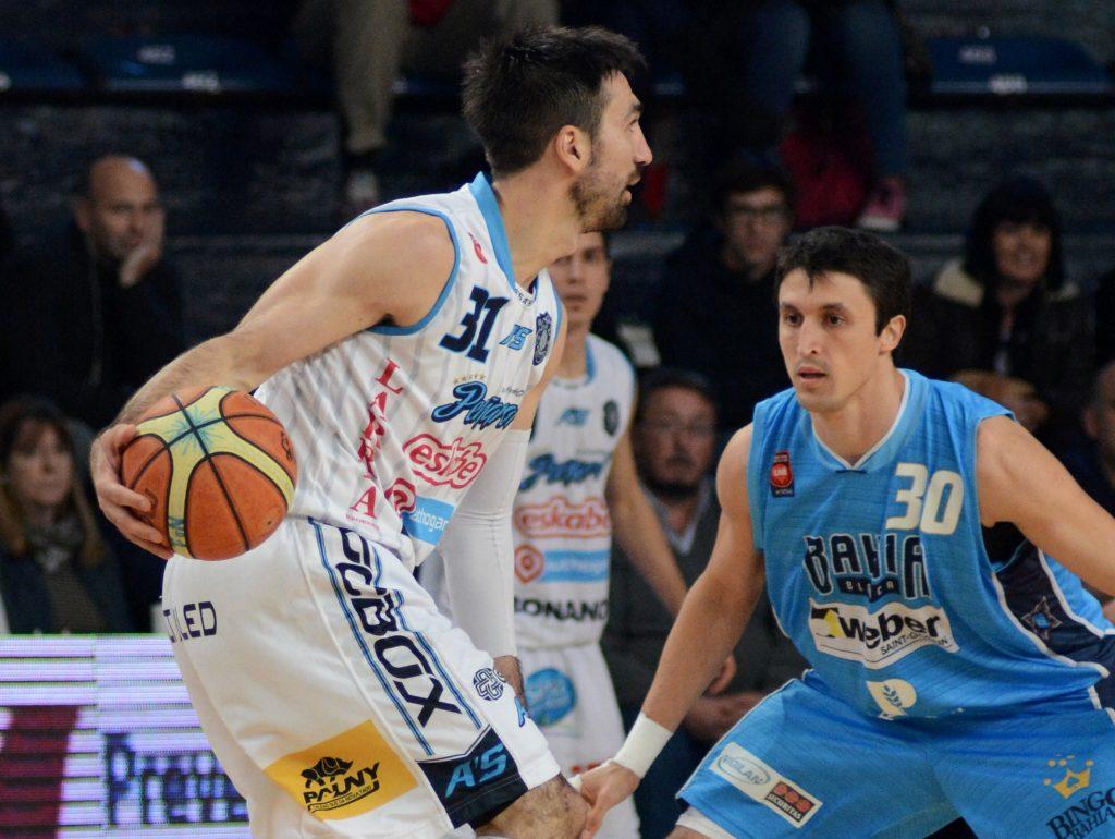 Osimani tuvo buenos minutos en el inicio del partido, pero luego se diluyó su trabajo. (Foto: Maite Méndez - LNB.com.ar)