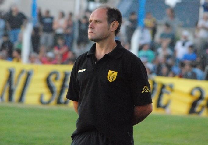 Duilio Botella afronta el desafío de sacar a Alvarado del fondo de la tabla. (Foto: El Diario de Tandil)