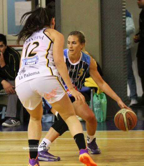 Celeste Selent, una de las figuras del equipo marplatense en la SuperLiga Femenina.