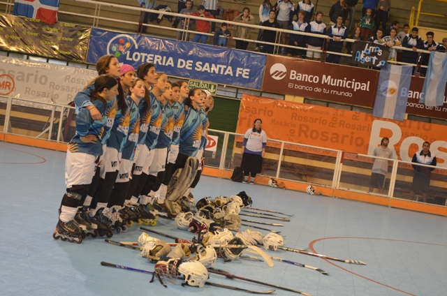 El equipo femenino consiguió la primera victoria nacional.