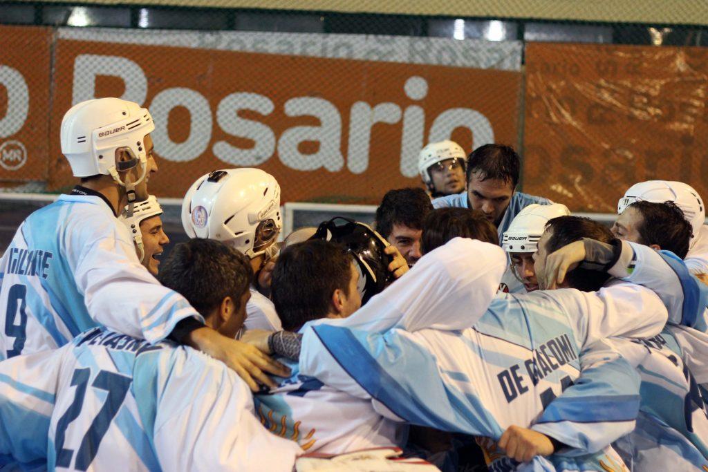 Todo Argentina celebró el triunfo 3-2 ante Brasil que lo dejó entre los 8 mejores del mundo.