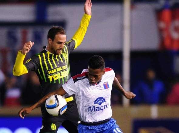 Matías Lequi fue el protagonista de la jugada del penal en el final del partido.