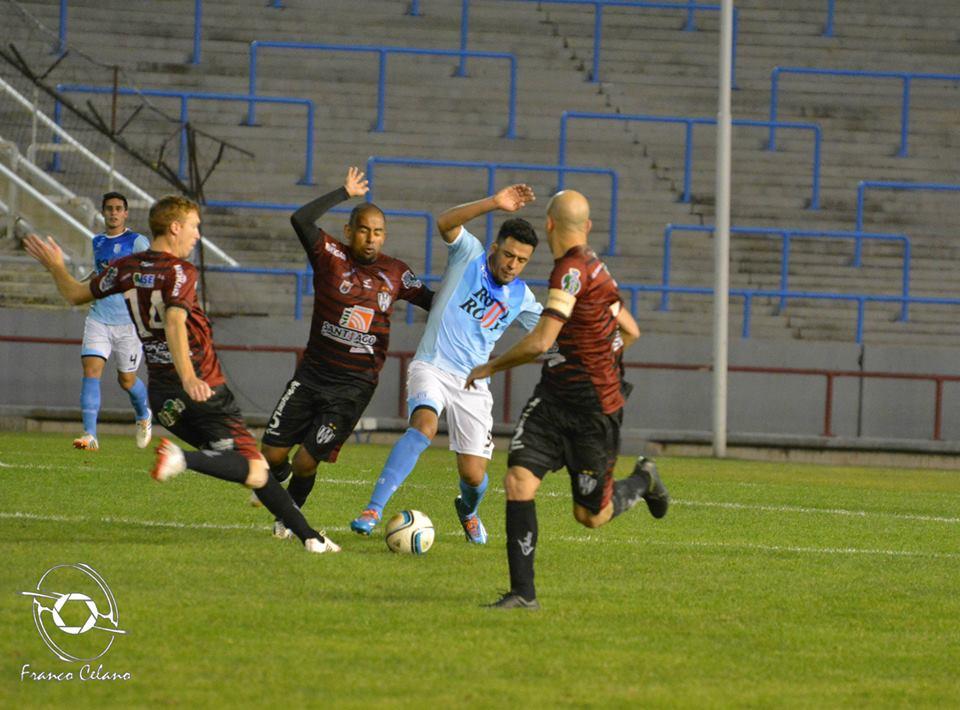 Unión tendrá un duelo importante el domingo ante Instituto. (Foto: Franco Celano)