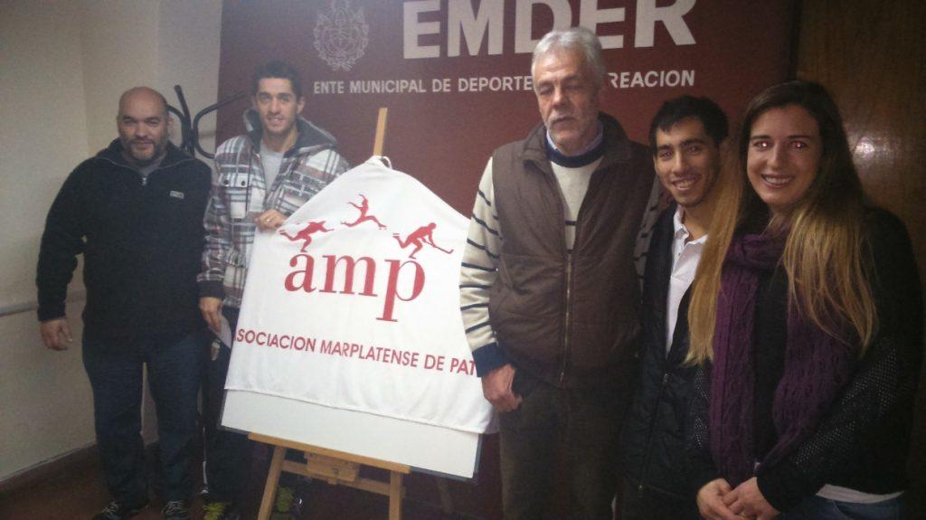 Los dirigentes de la AMP junto con Ken Kuwada y Ezequiel Capellano.