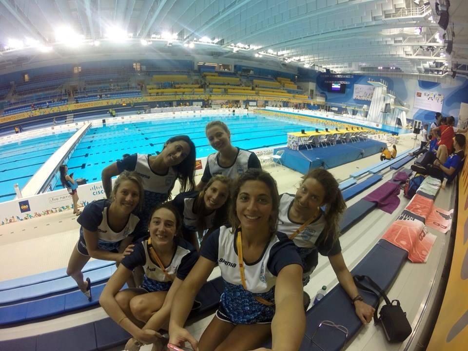 Parte del equipo de nado sincronizado que participó hoy con Simón y Fernández. (Foto: Facebook)