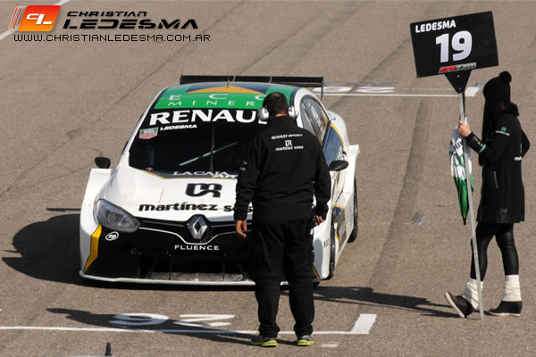 Christian Ledesma llegando a la grilla de la final.